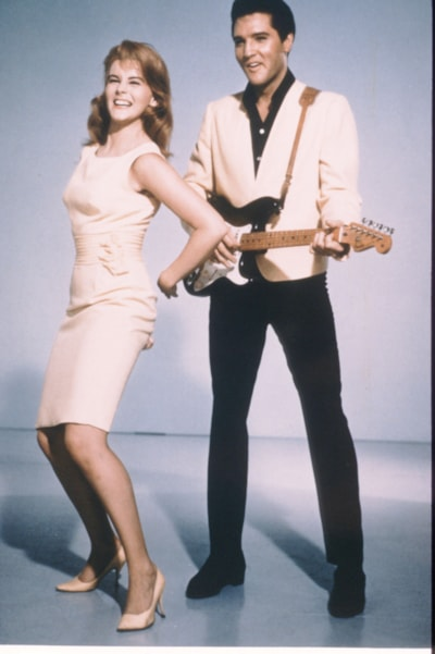 """Ann Margret and Elvis Presley pose in 1964 in USA for a publicity photo for their new film """"Viva Las Vegas"""". (Photo by Liaison)"""