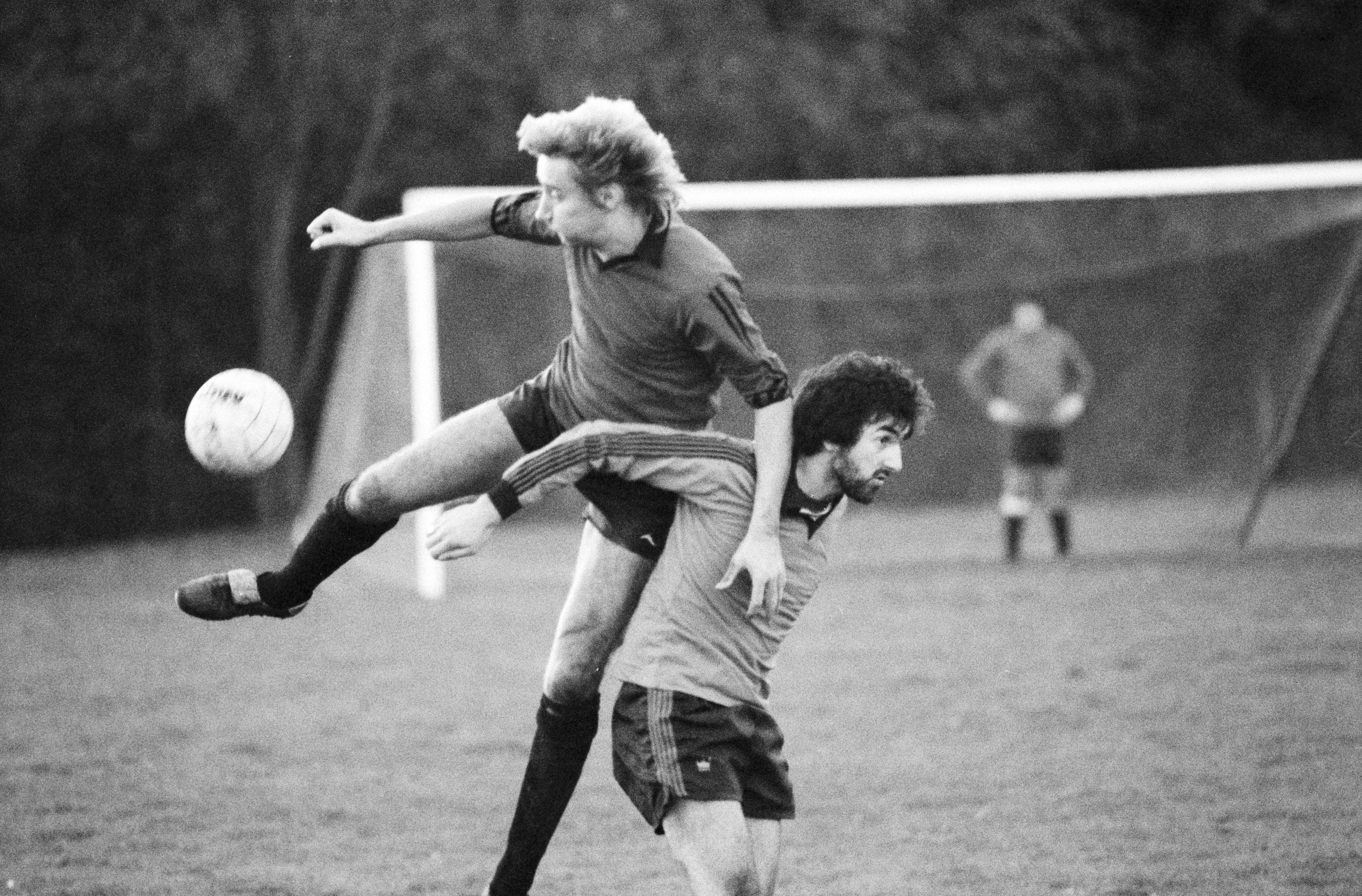 British rock singer and songwriter Rod Stewart in action during a soccer match, UK, 12th November 1979. (Photo by Evening Standard/Hulton Archive/Getty Images)