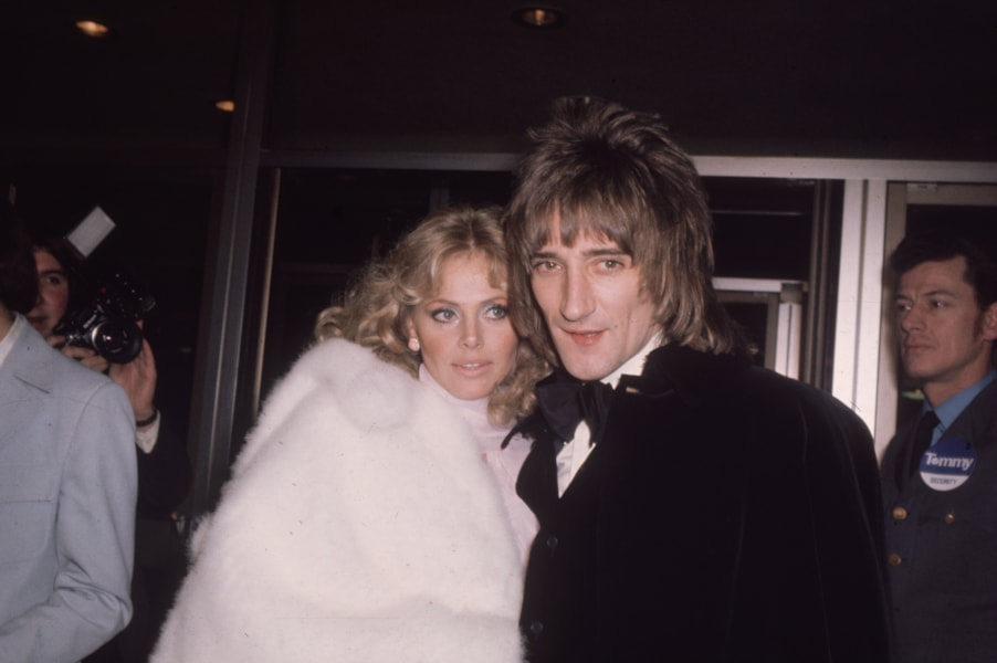 circa 1975:  Rock star Rod Stewart with girl friend, film star Britt Ekland.  (Photo by Hulton Archive/Getty Images)